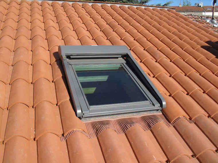 fenetre de toit avec volet roulant